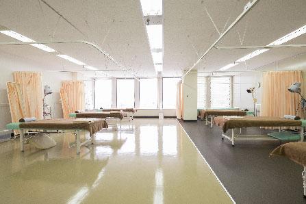 付属治療院