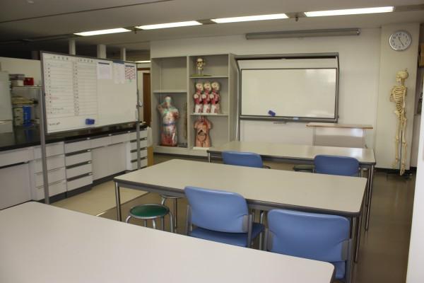 3.基礎医学実習室